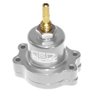 Blox Racing Adjustable Fuel Pressure Regulator: Polished