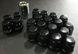 Project Kics Bull Lock Black Lug Nuts and Locks M12 x 1.5